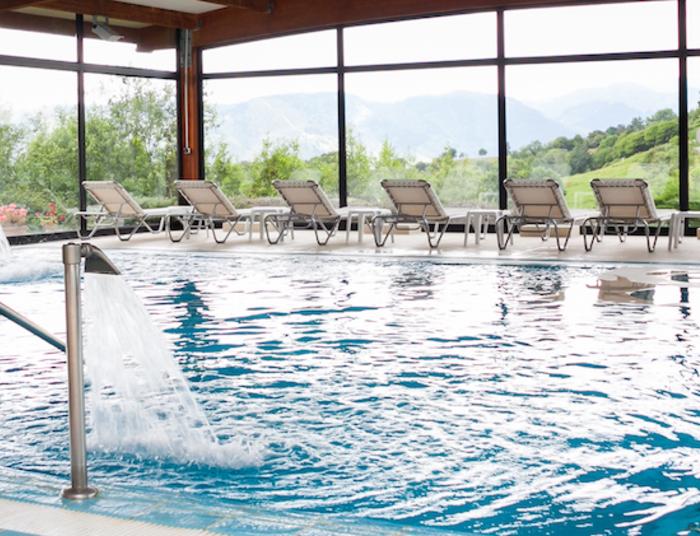 Piscina interior spa   hosteri%cc%81a de torazo  hoteles nature